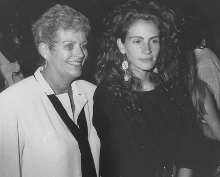 Julia Roberts và mẹ ruột - bà Betty