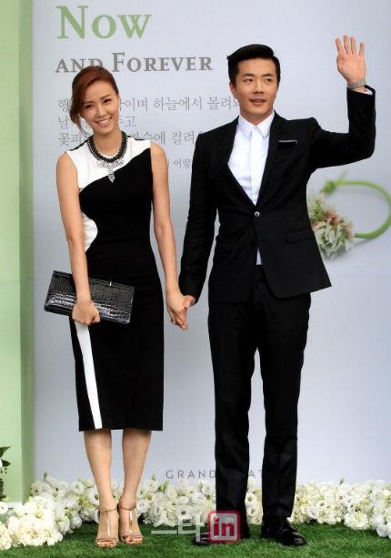 Vợ chồng Kwon Sang Woo và Son Tae Young