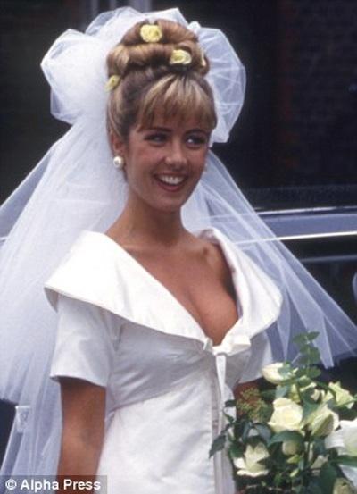 Siêu mẫu Louise Payne từng đính hôn với Simon Cowell