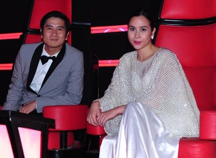 Vợ chồng nhạc sĩ Hồ Hoài Anh - ca sĩ Lưu Hương Giang đã sẵn sàng cho đêm chung kết.