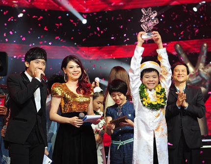 Nguyễn Quang Anh trở thành quán quân Giọng hát Việt nhí năm 2013
