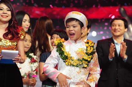 Chúc mừng quán quân Quang Anh!