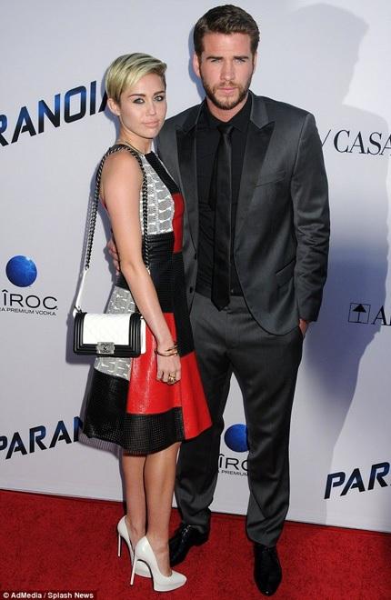 Liam và Miley chia tay sau 2 năm hò hẹn
