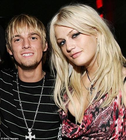 Hai em của Nick Carter - Aaron Carter (trái) và Leslie
