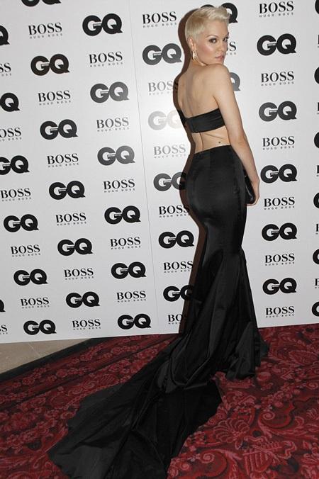 Jessie J diện váy ấn tượng