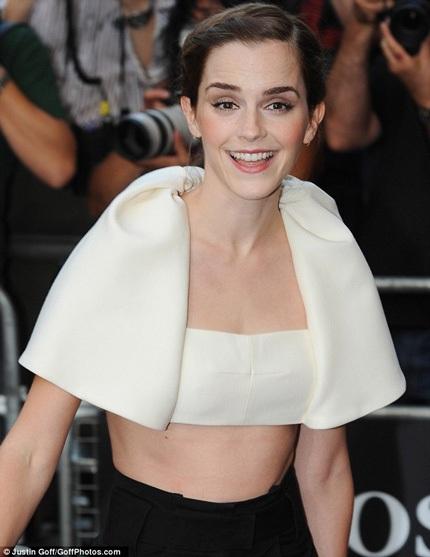 Emma Watson nhận giải Nữ nghệ sĩ xuất sắc.