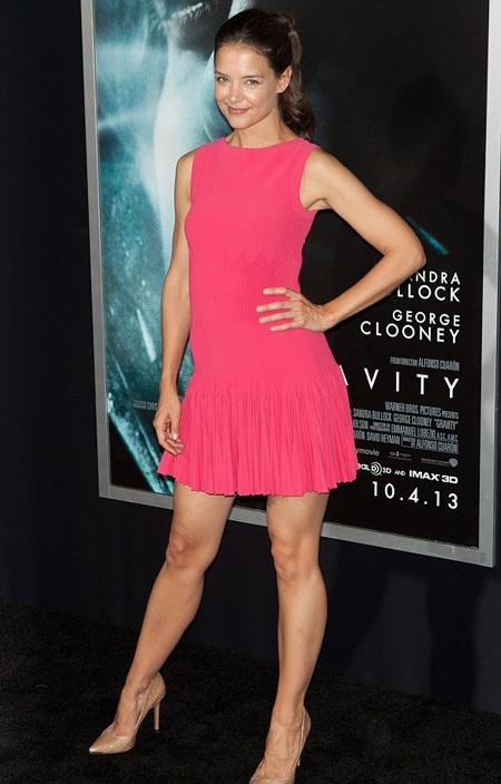Katie Holmes xuất hiện tại buổi ra mắt bộ phim Gravity, ngày 15/10