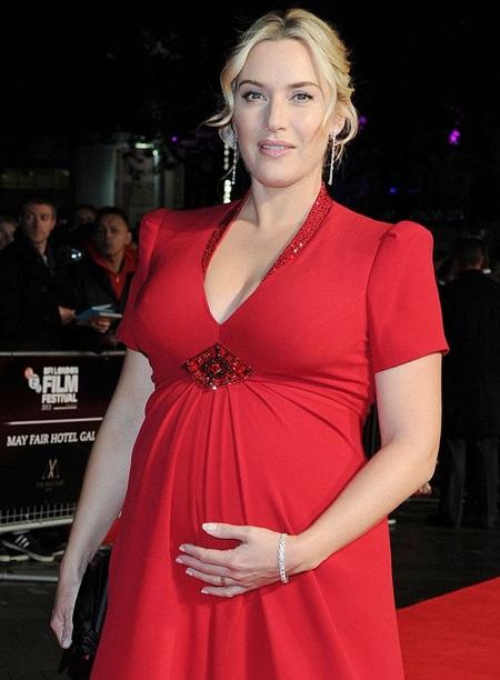 Kate đang mang bầu đứa con thứ ba với người chồng mới