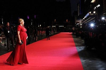 Ngôi sao xinh đẹp 38 tuổi thu hút sự chú ý đặc biệt của giới săn tin khi sải bước trên thảm đỏ