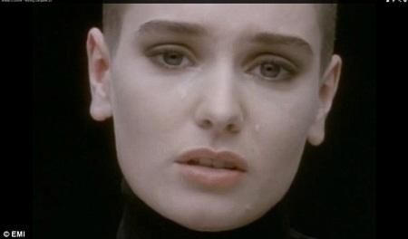 Hình ảnh Sinead O'Connor trong clip