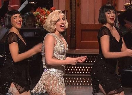 Lady Gaga biểu diễn ca khúc