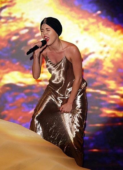 Nữ ca sĩ đã có một phần trình diễn đáng thất vọng trong chương trình X Factor.
