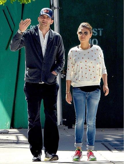 Ashton Kutcher nóng lòng cầu hôn bạn gái sau khi ly dị Demi Moore
