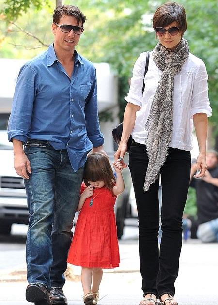 Tom Cruise và Katie Holmes cùng con gái Suri khi còn chung sống.