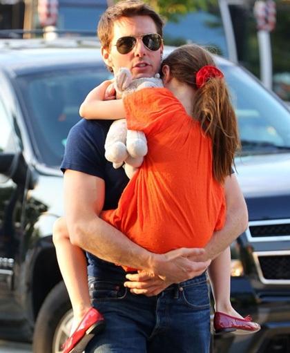Tom Cruise thừa nhận, đã 110 ngày anh chưa hề gặp con gái, bé Suri.