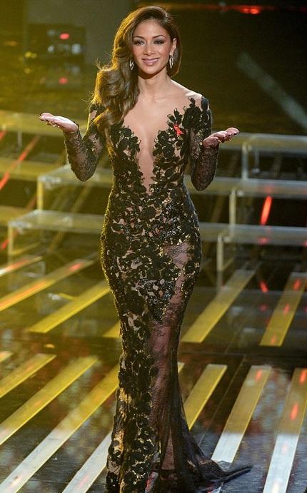 Váy xuyên thấu ấn tượng của giám khảo X Factor