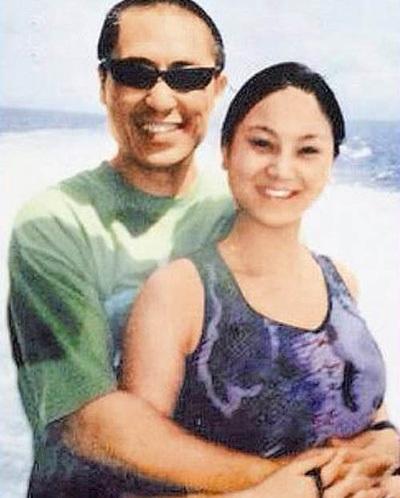 Đạo diễn Trương Nghệ Mưu và vợ trẻ, kém ông 30 tuổi