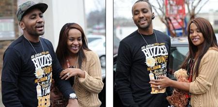 Chuyện tình của cặp đôi này từng bị gia đình Houston phản đối