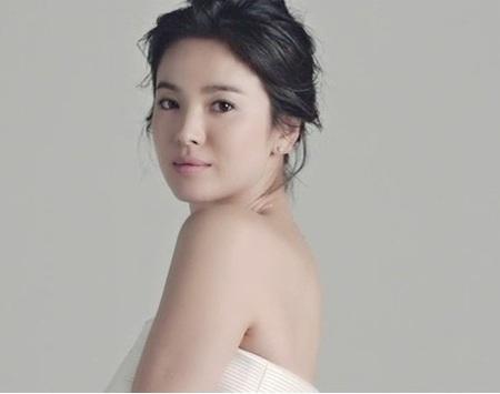 Song Hye Kyo mới đây được chọn là gương mặt đại diện cho một nhãn hiệu nữ trang cao cấp.