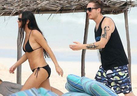 Demi Moore đang đi nghỉ mát tại Mexico cùng các bạn bè. Ngôi sao của