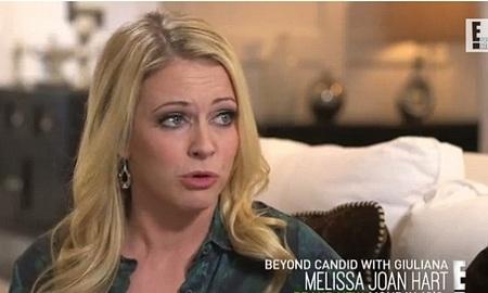 Melissa Joan Hart trong buổi phỏng vấn trên kênh E!, ngày 16/2