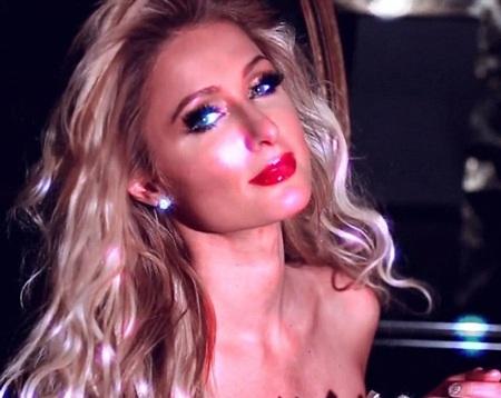 Paris Hilton trong clip mới