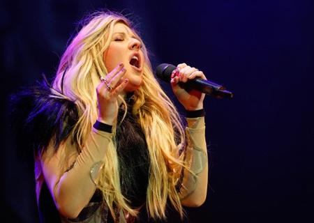 Nữ ca sĩ của