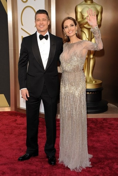 Angelina xuất hiện đẹp đôi cùng Brad Pitt tại lễ trao giải Oscar hồi tháng 2 vừa rồi.