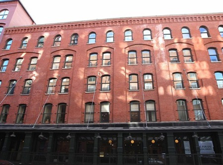 Gwyneth Paltrown và Chris Martin còn sở hữu chung một ngôi nhà tại Tribeca.