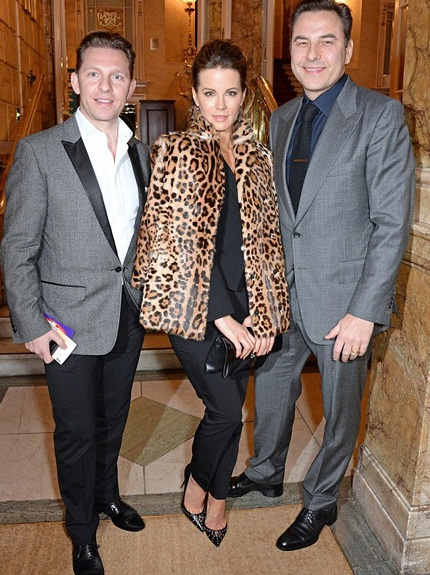Nữ diễn viên Kate Beckinsale (giữa) tới ủng hộ Simon Cowell