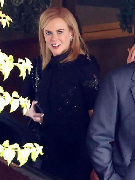 Thiên nga nước Úc trông khá rạng rỡ và liên tục mỉm cười với tất cả mọi người.
