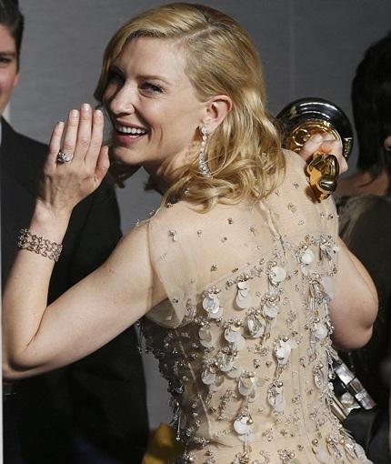 Nụ cười chiến thắng của nữ minh tinh xinh đẹp và tài năng - Cate Blanchett