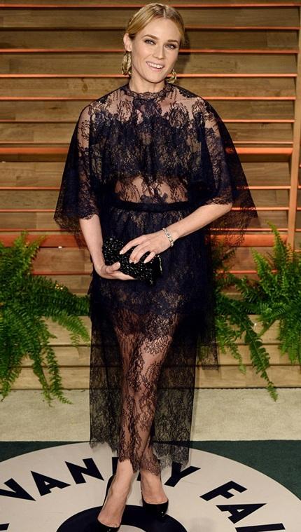 Diane Kruge không thua kém đàn em với váy xuyên thấu