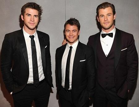 Ba anh em nhà Hemsworth cũng có mặt trong bữa tiệc sang trọng này