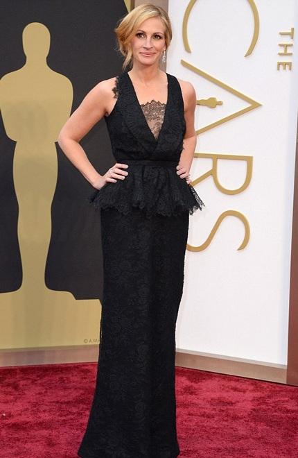 Julia Roberts rạng ngời trên thảm đỏ lễ trao giải Oscar năm 2014.