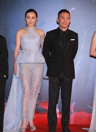 Chiếc quần váy ấn tượng giúp Lưu Gia Linh trở thành nhân vật nổi bật nhất lễ trao giải.