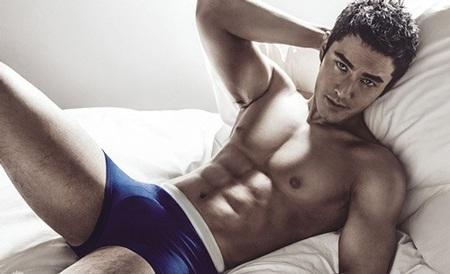 Huỳnh Hiểu Minh đã nhận được nhiều lời khen ngợi từ những bức ảnh mới nhất.