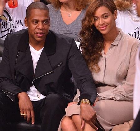 Vợ chông Beyonce và Jay Z vui vẻ đi xem bóng rổ cùng nhau hồi cuối tuần vừa rồi