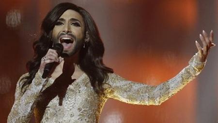 Conchita Wurst trong đêm chung kết cuộc thi Eurovision năm 2014