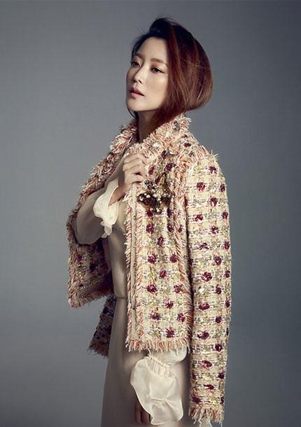 Kim Hee Sun mới thực hiện một bộ ảnh thời trang cho tạp chí Marie Claire