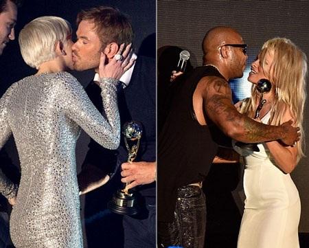 Flo Rida nhận nụ hôn của Pamela Anderson (phải) trong khi Miley Cyrus (trái) chúc mừng Kellan Lutz