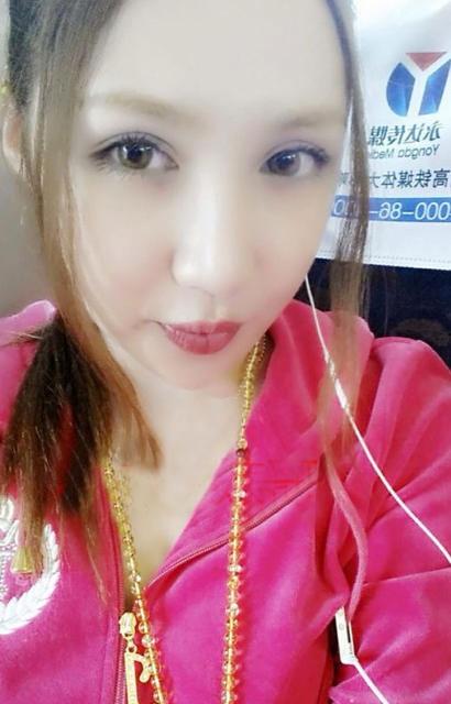 Liu Xin giờ hài lòng với giới tính nữ và vẻ ngoài rạng ngời.
