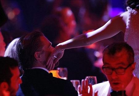 Marion Cotillard âu yếm Leonardo DiCaprio