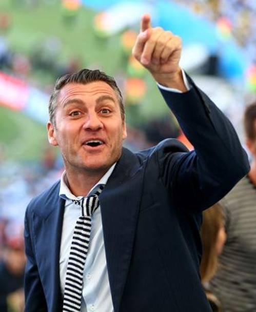 Cựu cầu thủ của tuyển Ý Bobo Vieri sôi nổi bình luận suốt trận đấu