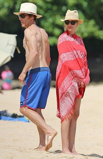 Người đàn bà đẹp Julia Roberts hạnh phúc bên ông xã