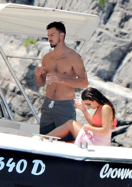 Matthew Paetz và Lea Michele mới công khai mối quan hệ vài tháng gần đây.