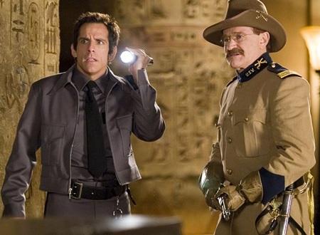 Thật đáng tiếng khi Robin (phải) sẽ phải vắng mặt trong ngày ra mắt phần bốn của bộ phim