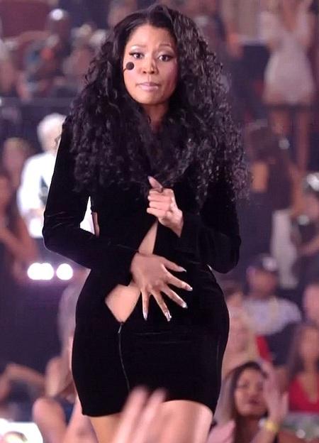 Gương mặt hoảng sợ của Nicki Minaj