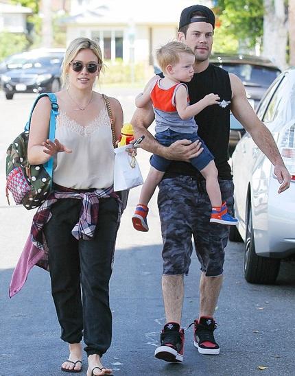 Hilary Duff úp mở về mối quan hệ hiện tại giữa cô và chồng - Mike Comrie