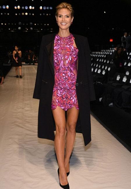 Cặp chân tuyệt đẹp của siêu mẫu bốn con Heidi Klum và Rihanna